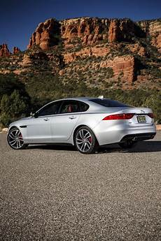 Jaguar Xf 2019 Jaguar Xf 300 Sport Packs 296 Hp Has Confusing 30t