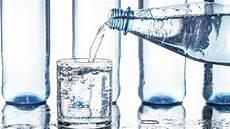 stiftung warentest mineralwasser mineralwasser test stiftung warentest g 252 nstig ist am