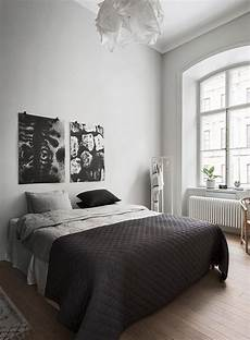 Black And White Small Bedroom Ideas by 40 Minimalist Bedroom Ideas Small Bedroom Ideas White