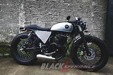 Modif Cafe Racer by Modifikasi Yamaha Scorpio Cafe Racer Low And Fast
