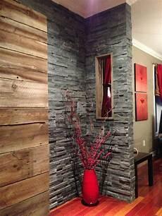 revetement mural interieur en bois mur en bois de grange et ardoise en 2019 decoration