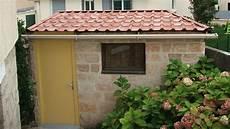 couverture abri jardin refaire la toiture de sa cabane de jardin