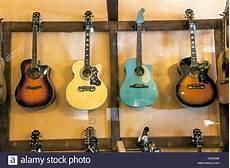 accrocher sa guitare au mur beau photographie les paul