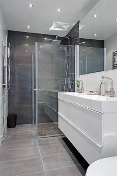 300 x 600 horizontal mirror tiled feature wall salle de
