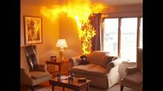 side by side view of living room fires with and without a fire sprinkler youtube