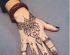 30 Gambar Motif Henna Tangan Kaki Simple Pengantin