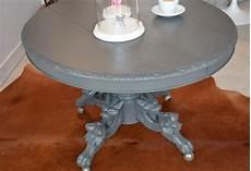 past present ancienne table ronde et pied sculpt 233