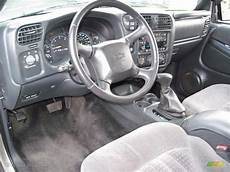 electric and cars manual 2002 chevrolet blazer interior lighting medium gray interior 2002 chevrolet blazer ls zr2 4x4 photo 56636727 gtcarlot com
