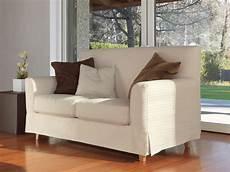 divanetti moderni divano lineare piedi in faggio tinto per salotto moderno
