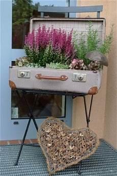 alte koffer deko koffer bepflanzt garten gartenprodukte und bepflanzung