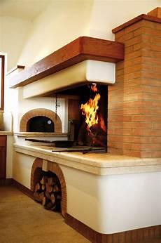 camini e forni a legna caminetto tradizionale su misura con forno per la pizza