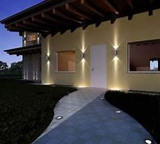 illuminazione casa esterno 78 best images about illuminazione led per esterni on