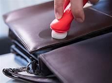 kunstleder kratzer entfernen kratzer an der ledertasche entfernen berlin de