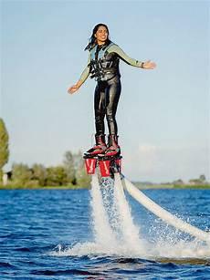 voler sur l eau 94442 ils volent au dessus de l eau