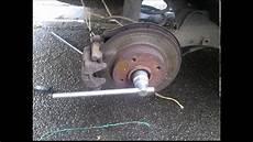 changer disque de frein clio 3 changement roulement arri 232 re 307 ph1 d 233 montage du disque