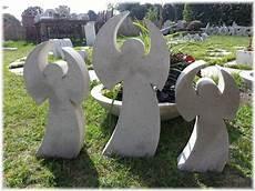 gießformen für beton deko beton giessform wundervoller engel 40 cm beton in form