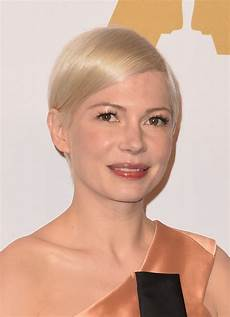 michelle williams side parted straight cut michelle