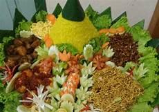 Resep Tumpeng Nasi Kuning Istimewa Oleh Bunda Hanifa Cookpad
