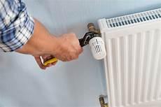 heizung entlüften ohne ventil anleitung so wechseln sie das heizungsthermostat
