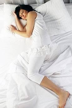 Schlafpositionen Gesund Schlummern Laviva