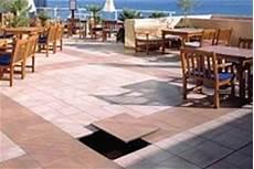 pavimenti per terrazzi esterni galleggianti pavimenti galleggianti per esterni pavimento da esterni