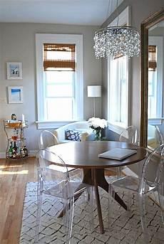 table et chaise transparente les chaises transparentes et l int 233 rieur contemporain