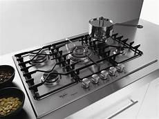 pulire piano cottura acciaio piani cottura in acciaio componenti cucina piani