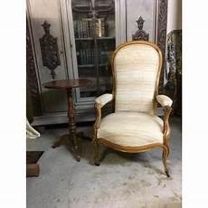 prix restauration fauteuil voltaire fauteuil ancien sur proantic louis philippe restauration