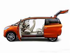 Daihatsu Exhibits Eight Concept Cars At The Indonesia