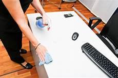 kratzer aus fensterglas entfernen kratzer vom hochglanz tisch entfernen 187 so geht s