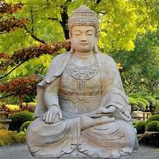 bilder buddha gro 223 er buddha sitzend steinskulptur sila gartentraum de