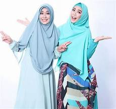 20 Model Baju Artis Oki Setiana Dewi Yang Modis