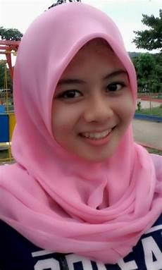 In Gaya Wanita Jilbab Cantik