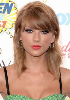 taylor swift hair celebrity hair taylor swift s bob haircut is 6 months old today glamour