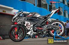 Gsx R150 Modif Moge by Modifikasi Striping Suzuki Gsx R150 Black Kabuki Motoblast