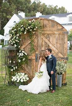 35 rustic old door wedding decor ideas for outdoor country weddings deer pearl flowers