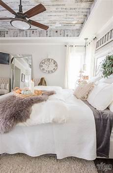 Bedroom Ideas Easy by Cozy Easy Fall Bedroom Decorating Ideas
