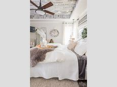 Cozy & Easy Fall Bedroom Decorating Ideas