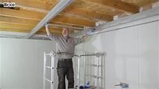 Comment Faire Un Plafond Suspendu Installer Un Plafond Suspendu Avec Une Ossature Facile 224