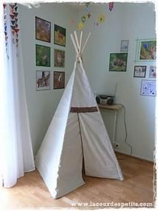 tipi fait maison 112690 fabrication d un tipi pour enfant la cour des petits