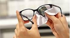 nettoyer verre lunette entretenir et nettoyer ses lunettes g 233 n 233 rale d optique