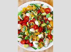ecuadorean avocado tomato salad over white rice_image