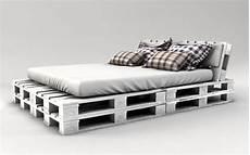 bett selber bauen paletten palettenbett bauen ganz einfach hier 2 praktische varianten interiors bett aus paletten