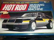 Revell Hot Rod Mustang Street Machine  Model Car Kits