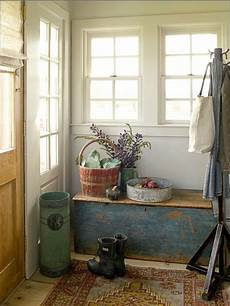 Small Home Entrance Decor Ideas by 27 Cozy And Simple Farmhouse Entryway D 233 Cor Ideas Digsdigs