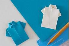 T Shirt Falten - t shirt papier falten wie du ein origami papier hemd