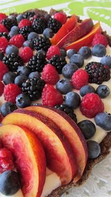 ricetta crostata al mascarpone e frutti rossi paneangeli torta fredda al mascarpone e frutti rossi ricetta ed ingredienti dei foodblogger italiani