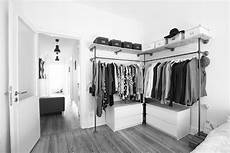 schlafzimmer kleiderständer industriedesign aus stahlrohr 183 kleiderschr 228 nke