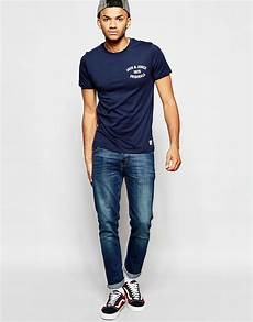 jones t shirt with 1975 chest print in navy blue