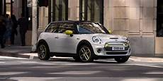 electric mini 2019 price bmw unveils all electric mini cooper se with 168 mile
